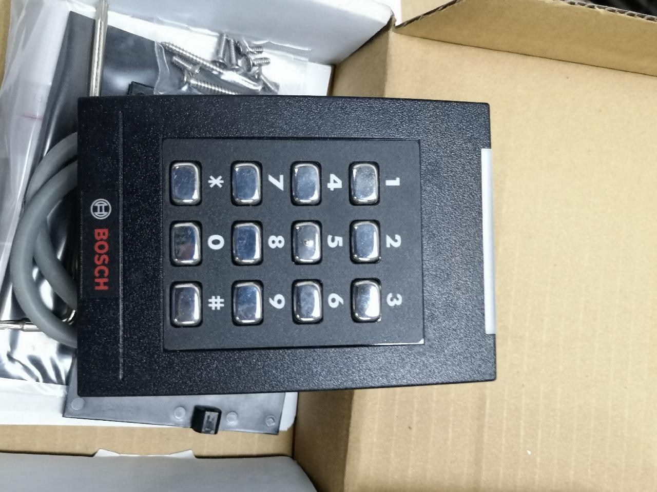 Bosch HID RPK40 Wall Switch Keypad Reader 921PTNNEK00000 RPK40EKNN RPK40E 00001